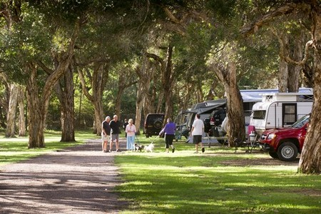 Beachfront Holiday Park - Accommodation NT