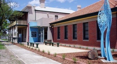 Hunt Club Community Arts Centre - Accommodation NT