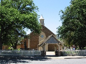 St George Church and Cemetery Tours - Accommodation NT