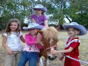 Amberainbow Pony Rides - Accommodation NT