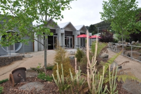 Tin Dragon Interpretation Centre and Cafe - Accommodation NT