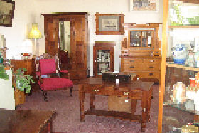 New Norfolk Antiques - Accommodation NT