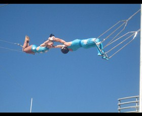 Trix Circus Flying Trapeze - Accommodation NT