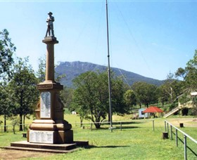 Maroon State School War Memorial - Accommodation NT