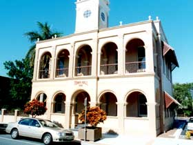 Mackay Town Hall - Accommodation NT
