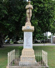 Miriam Vale War Memorial - Accommodation NT