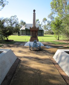 Mitchell War Memorial - Accommodation NT