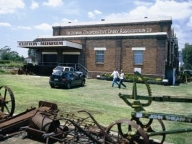 Clifton Historical Museum - Accommodation NT