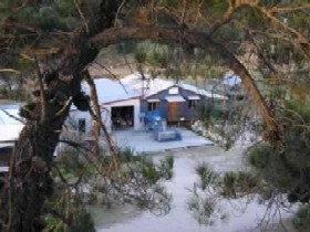 Pyramids Road Wines - Accommodation NT