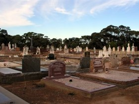 Langhorne Creek Cemetery - Accommodation NT