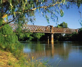 Narrandera Rail Bridge - Accommodation NT