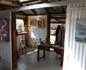 Tin Shed Gallery - Accommodation NT