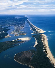 Ninety Mile Beach Marine National Park - Accommodation NT