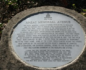 Anzac Memorial Avenue Redcliffe - Accommodation NT