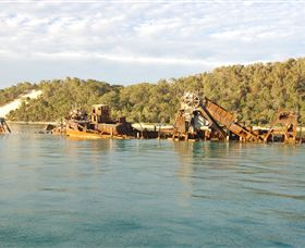 Tangalooma Wrecks Dive Site - Accommodation NT