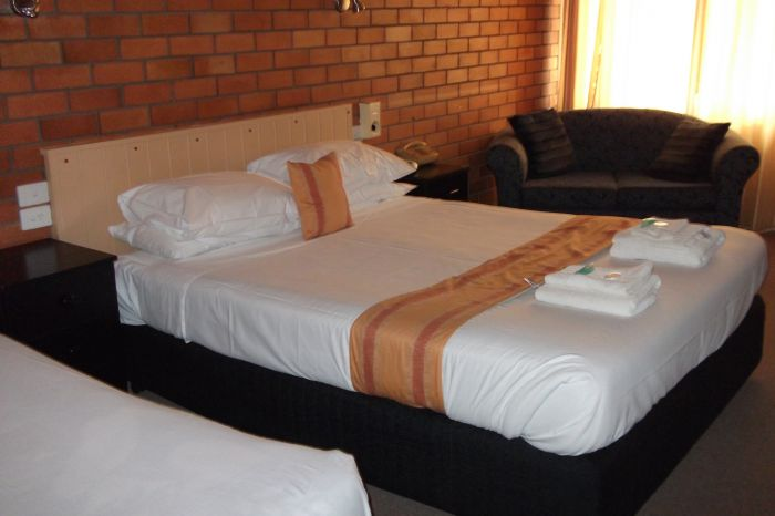 Hilldrop Motor Inn - Accommodation NT