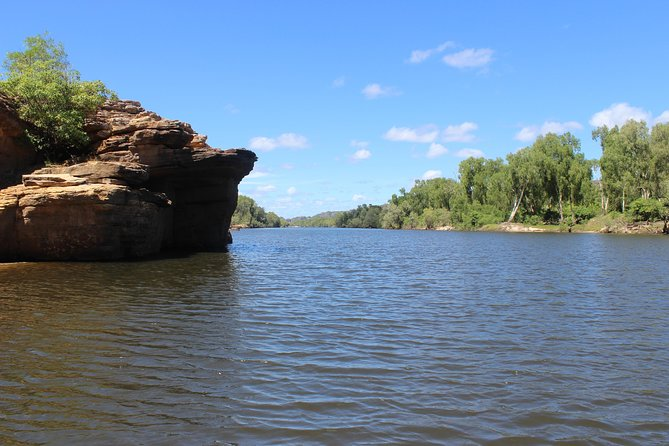 Kakadu Full-Day Tour from Darwin Including Ubirr Guluyambi and Arnhem Land