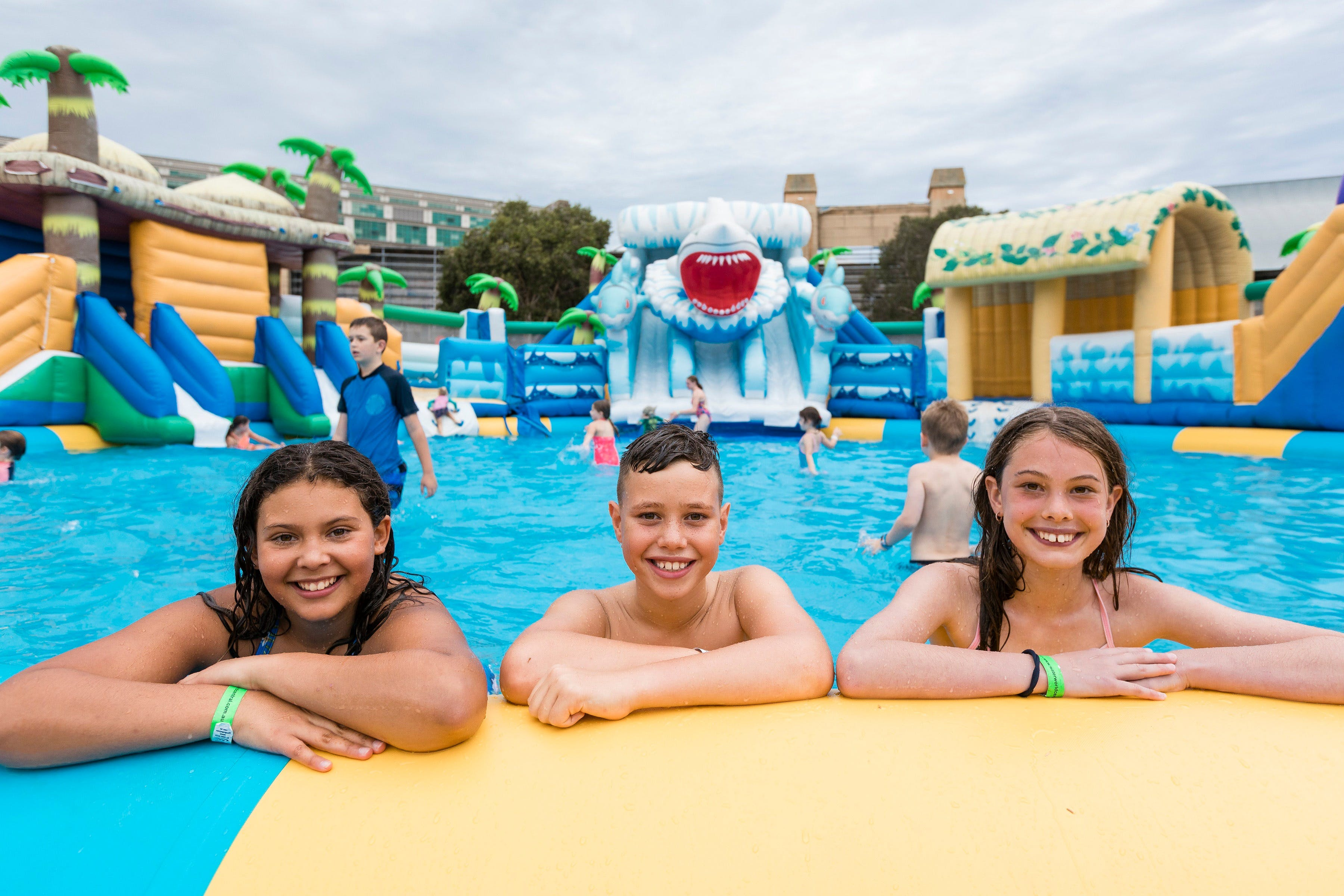 Waterworld Central - Mobile Inflatable Waterpark - Accommodation NT
