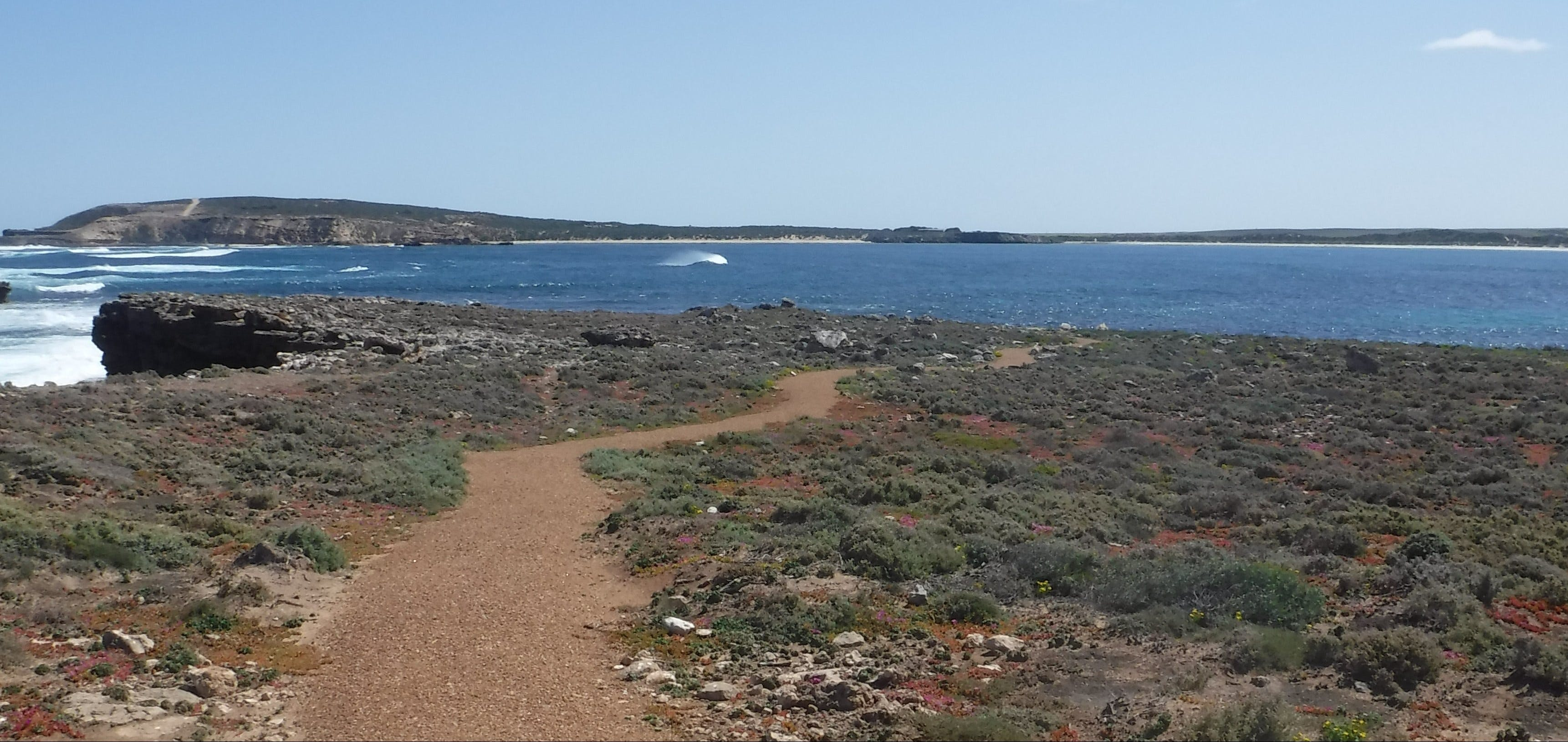 Elliston Coastal Trail - Accommodation NT