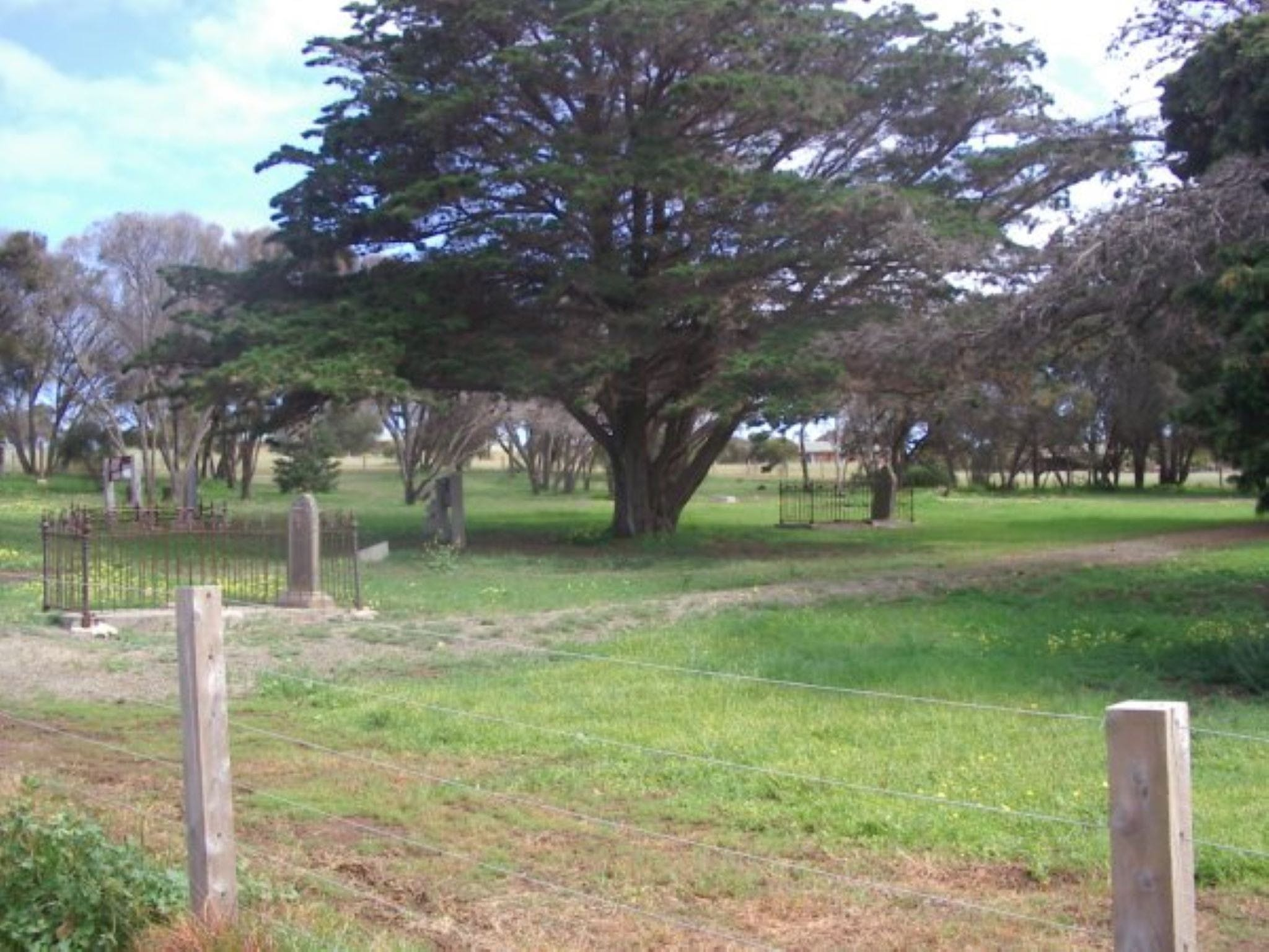 Old Cemetery Kingscote - Accommodation NT