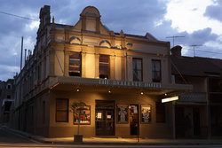 Bellevue Hotel - Accommodation NT