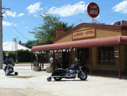 Albion Hotel Swifts Creek - Accommodation NT