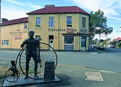 Clarendon Arms Hotel - Accommodation NT