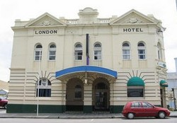 The London Hotel - Accommodation NT