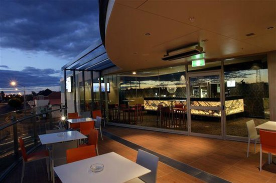 One7Eight Dining  Bar - Accommodation NT