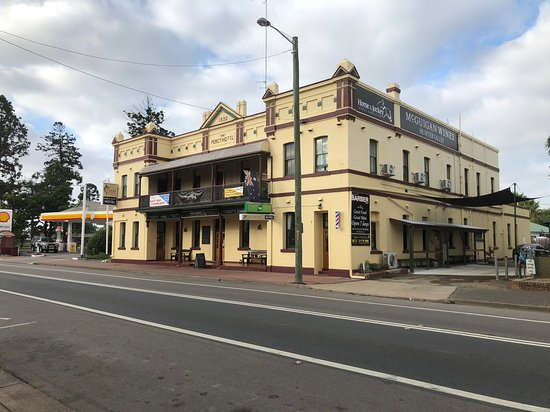 Horse and Jockey Hotel - Accommodation NT