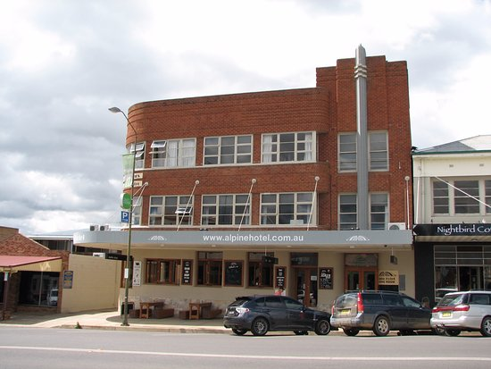 The Alpine Hotel Restaurant Cooma - Accommodation NT