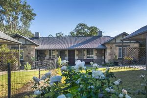 Stoneleigh Cottage Bed and Breakfast - Accommodation NT