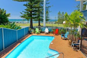 Beach House Holiday Apartments - Accommodation NT