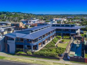 Lennox Holiday Apartments - Accommodation NT