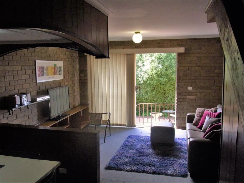 A Furnished Townhouse in Goulburn - Accommodation NT