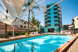 Aqualine Apartments On The Broadwater - Accommodation NT